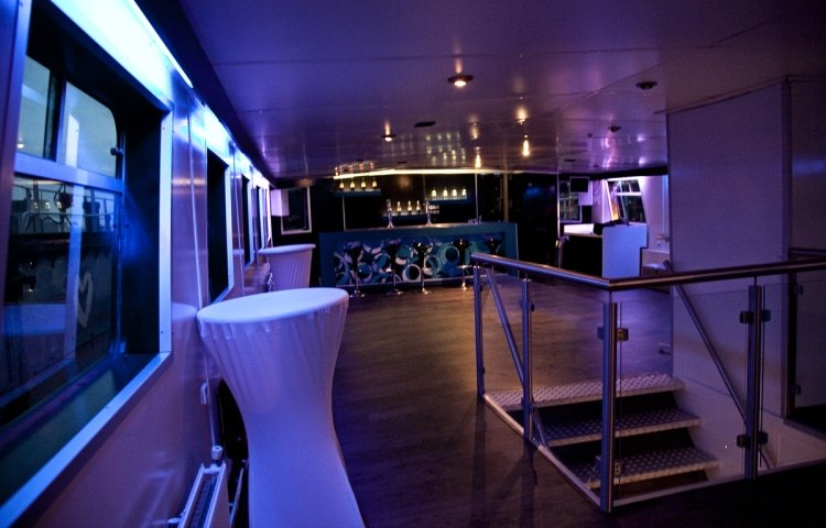 PARTYBOOT 3 - Lounge avond