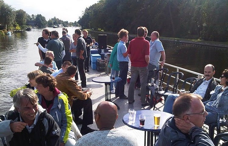 partyBOOT5-buitendek-borrel